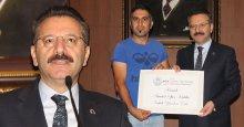 Vali Aksoy: Çocuklar dilenmesin ve çalışmasın!