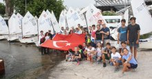 Yelkenler DEMOKRASİ için FORA dedi!
