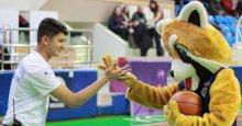 Kağıtsporlu basketbolcular Bossan ile oynuyor