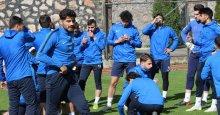 Derince'de futbolculara 14 günlük çalışma verildi