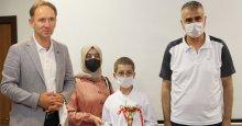 İzmit Belediyesporlu karateciler onurlandırıldı