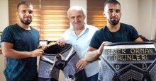 Metin Sözer, başarılı güreşçiye kispet hediye etti