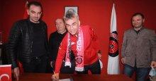 Gölcükspor'da Eser Kardeşler imzaladı!